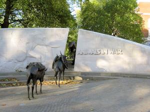 Animals in War Monument